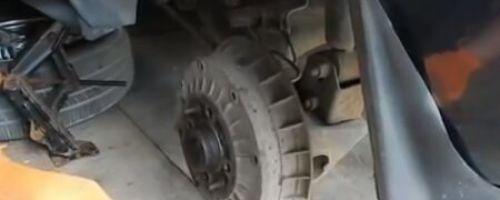 Замена задних тормозных колодок ВАЗ 2112