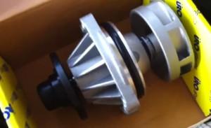 Замена водяной помпы на BMW e34 525i