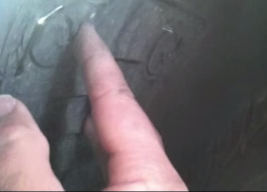 Демонтаж лючка на подкрылке BMW E90