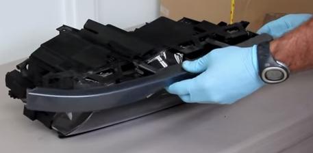 Установка нижнего ободка фары БМВ Е46