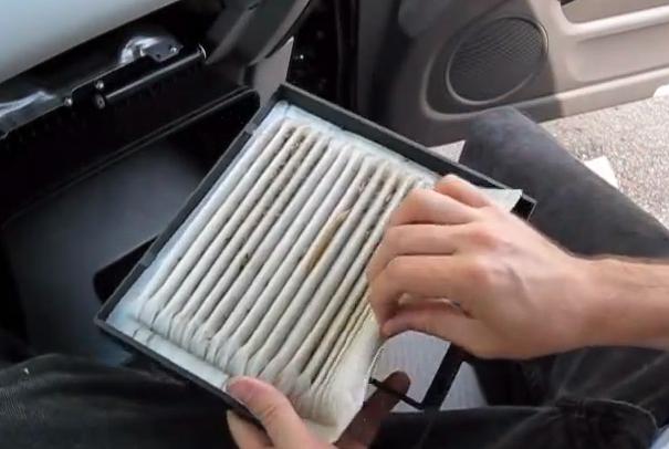 Меняем фильтрующий элемент Тойота Хайлендер
