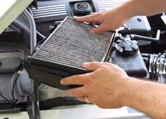 Ставим новый фильтр BMW 528xi