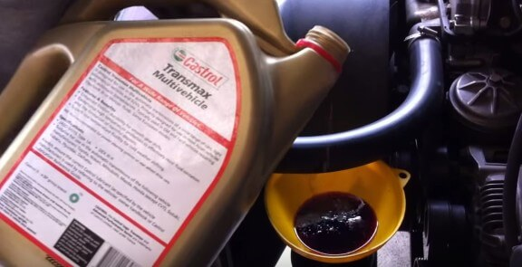 Заливаем новое масло гур БМВ Е36
