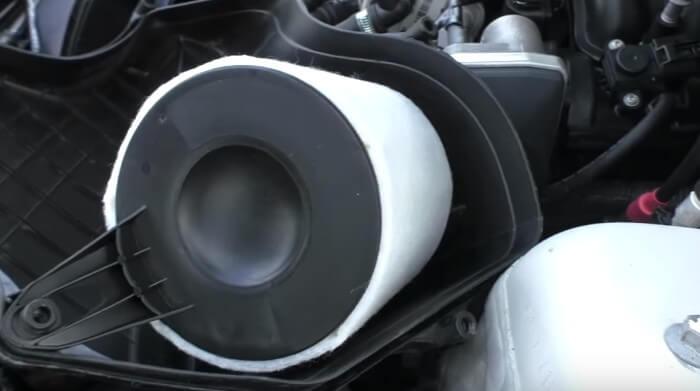 Меняем фильтрующий элемент воздушного фильтра БМВ Е90