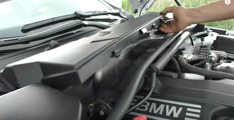 Снимаем салонный фильтр БМВ Е90