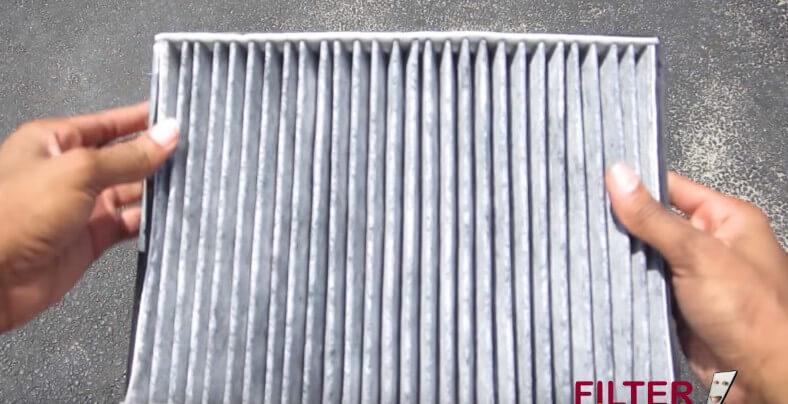 Меняем фильтрующий элемент салонного фильтра Ауди ТТ