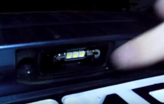Новая лампа подсветки номеров Киа Сид