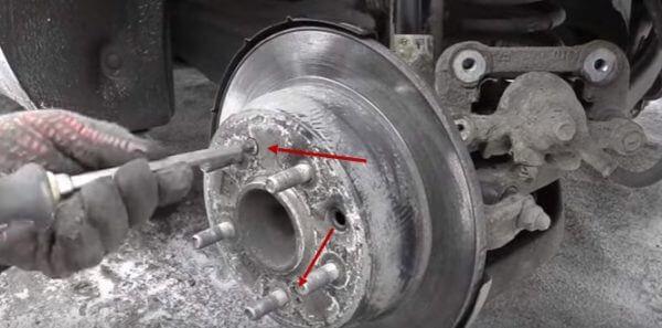 Болты крепления тормозного диска Киа Сид