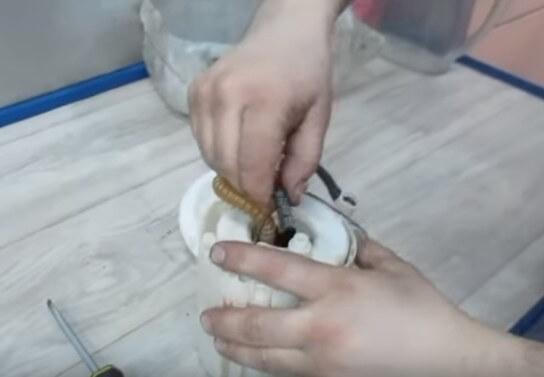 Разъем питания бензонасоса Хендай Солярис