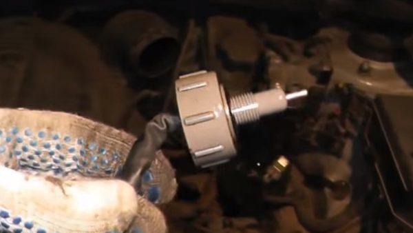Датчик воды в топливном фильтре Хендай Туссан