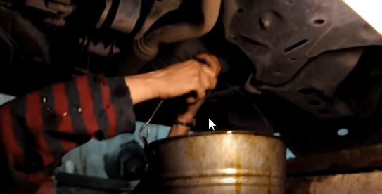Сливаем моторное масло Киа Пиканто