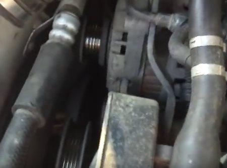 снят ремень привода генератора